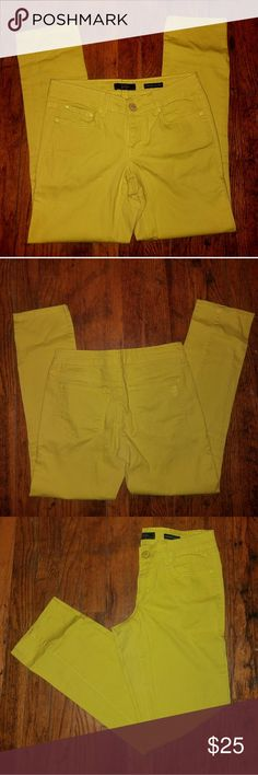 Jessica Simpson Neon Yellow Skinny Jeans 27 *Jessica Simpson *Bright Neon Yellow *Size 27 *Low Rise  *Skinny Leg *Great Spring Colors *Pairs Well with Most Colors *Light piling in inside of upper thigh. Hardly noticeable *Otherwise Perfect *RP $70 Jessica Simpson Jeans Skinny