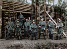 A squad of Prussian landsers, Verdun, 1916. Une escouade de landers prussiens, Verdun 1916.