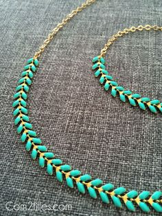 DIY collier épi via Boho Jewelry, Jewelry Crafts, Beaded Jewelry, Jewelry Accessories, Fashion Accessories, Handmade Jewelry, Jewelry Design, Jewelry Ideas, Diy Collier