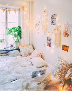 Chinese Lantern Bedroom | ve been wondering what paper lanterns ...