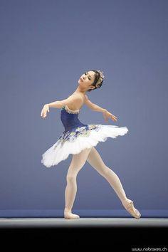 BALLET DANCER.........PARTAGE OF WAW MALEE........ON FACEBOOK.........