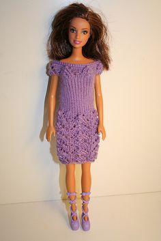 Ravelry: HiyaHiya Barbie Dress Pattern pattern by Qianer Huang