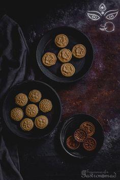 A mellifluous symphony of chhana and sugar. (Even better if it is jaggery. Bangladeshi Food, Bengali Food, Bengali Art, Indian Dessert Recipes, Indian Sweets, Sweets Recipes, Arabic Food, Arabic Dessert, Arabic Sweets