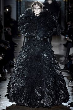 Gareth Pugh Fall 2013 Ready-to-Wear Collection Slideshow on Style.com