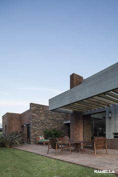 Hoff Residence by Ramella Arquitetura / Xangri-lá, South Coast of Brazil