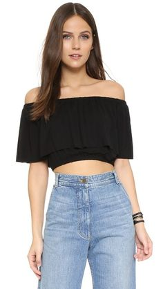¡Cómpralo ya!. Clayton Molly Top - Black. A draped overlay lends volume to this off shoulder CLAYTON crop top. Gathered elastic neckline and gathered elastic hem. Short sleeves. Fabric: Jersey. 95% viscose/5% spandex. Hand wash. Made in the USA. Measurements Length: 11.75in / 30cm, from center back Measurements from size S. Available sizes: M , tophombrosdescubiertos, sinhombros, topestilopañuelo, offshoulders, tube, offtheshoulder, coldshoulder, bardot, cutout, bandeau. Top hombros…