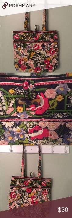 """Vera Bradley Tote in """"Poppy Fields"""" Medium sized Vera Bradley Tote in the """"poppy fields"""" print. Toggle closure. 3 pockets inside. Gently used. Some light wear is present in the straps. Vera Bradley Bags Totes"""