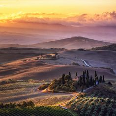 Photo Morning colors of Tuscany by Florin Ihora on 500px