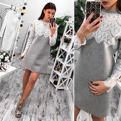 Красивое неопреновое платье-трапеция с кружевом серое