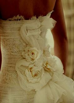 wedding dress back.. love.