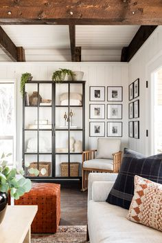 Small Space Planning Tips From Dream Home Makeover Studio Mcgee, Living Tv, Living Rooms, Family Rooms, Small Living, Living Spaces, Makeover Studio, Photo Corners, Dining Nook