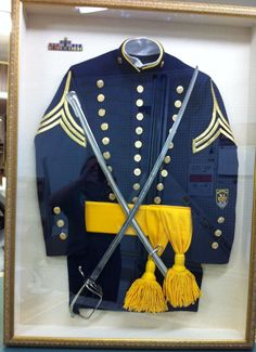 Fantastic custom framing job of a beautiful military uniform! Picture Frame Display, Picture Frames, Cheap Designer Bags, Picture Arrangements, Framed Jersey, Dystopian Fashion, Island Pictures, Military Fashion, Military Style