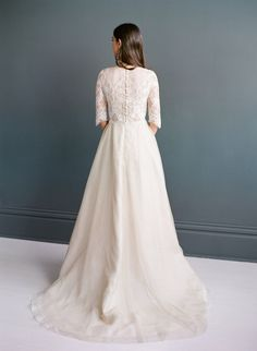 Regal Wedding Dress | Lace Topped Wedding Dress with Train