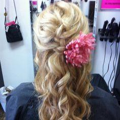 Bridesmaid hair - minus the hideous flower..