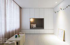 10년후를 생각한 쌍둥이네_ 잠실파크리오 32평형 인테리어 [옐로플라스틱/Yellowplastic] : 네이버 블로그 Kidsroom, Bathroom, Interior, House, Inspiration, Furniture, Inspire, Home Decor, Bedroom Kids