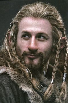 Dean O'Gorman - The Hobbit. I love the pink coloring to his nose. Adds warmth.