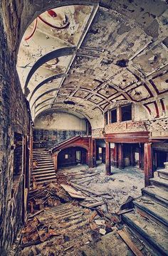 Abandoned estate in a village called Mokrzska, Lesser Poland Voivodeship, Poland. by maruboo Abandoned Property, Old Abandoned Houses, Abandoned Castles, Abandoned Mansions, Abandoned Buildings, Abandoned Places, Old Houses, Beautiful Buildings, Beautiful Places