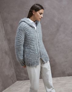Stylish cardigans and lightweight sweaters for women in colorful cotton yarn, linen and silk. Discover Brunello Cucinelli collection on the online boutique. Mohair Sweater, Cashmere Cardigan, Grey Cardigan, Knit Cardigan, Cardigan Grigio, Hooded Cardigan, Knitwear Fashion, Sweater Fashion, Brunello Cucinelli