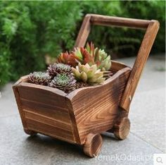Amazing Ideas of Wooden Mini Garden Planters That You Will Love Wheelbarrow Planter, Planter Boxes, Wooden Planters, Wooden Garden, Outdoor Planters, Wooden Cart, Cartoon Flowers, Small Wood Projects, Wooden Flowers
