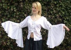Chemisiers et blouses de style médiéval  La soirée à thème est a venir, c'est la question pour les dames: une robe médiévale ou un ensemble d'une ju...