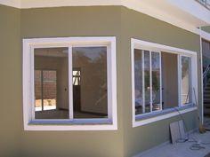 tipos de janelas de aluminio branco sal e cozinha - Pesquisa Google Sliding Windows, Windows And Doors, House Windows, Window Design, Minimalist Home, Minimalist Window, Villa Design, House Design, 35