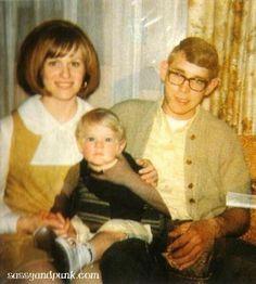 Kurts Mother Wendy, Baby Kurt<3, and Kurts Dad Donald.