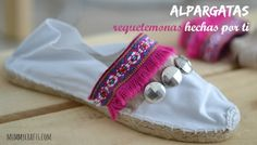 How to decorate a pair of espadrilles with ribbons and beads. (in Spanish) Fashion Details, Diy Fashion, Fashion Shoes, Shoe Makeover, Shoe Refashion, Dresses For Less, Spring Shoes, Cute Shoes, Spring Summer Fashion