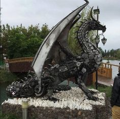 Dragon Made from Recycled Car Parts, photo credit Daniel Arenson