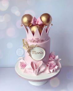 "3,165 Me gusta, 37 comentarios - Ana's Cake Studio (@ana_s_cake_studio) en Instagram: ""✨✨✨"" 1st Birthday Cake For Girls, 1st Bday Cake, Cute Birthday Cakes, Beautiful Birthday Cakes, Baby Mickey Mouse Cake, Mini Mouse Cake, Minnie Cake, Smash Cake Girl, Baby Girl Cakes"