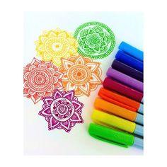 daniela hoyos instagram - Buscar con Google Mandala Doodle, Doodles Zentangles, Doodle Art, Mandala Painting, Mandala Drawing, Beautiful Drawings, Cool Drawings, Dibujos Zentangle Art, Sharpie Art