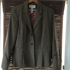 NWOT Liz Claiborne Brown 2 Button Blazer Jacket Slight peplum, see image. No pockets. 50% wool, 50% viscose Liz Claiborne Jackets & Coats Blazers