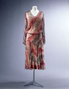 1929, France - Day dress by La Samaritaine - Printed silk georgette, elastic, hand and machine sewn