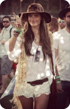 Hippie style, boho, chic, festival, lace, white, floopy hat, ibiza, fashion, trend