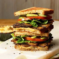 18 Vegan Sandwich Recipes That Make Lunch the Best Part of Your Day (Food Recipe Ideas) Healthy Recipe Videos, Healthy Chicken Recipes, Healthy Foods To Eat, Healthy Dinner Recipes, Whole Food Recipes, Healthy Snacks, Healthy Eating, Vegan Meals, Lunch Recipes