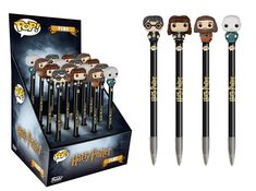 Harry Potter Funko Pop Pens by Funko are here! Cuter than ever as pen toppers, Harry Potter's heroes (and villain) top these epic writing pens. Harry Potter Quidditch, Harry Potter Pop Vinyl, Harry Potter Lines, Harry Potter School, Harry Potter Cast, Harry Potter Characters, Harry Potter Toys, Harry Potter Pop Figures, Quidditch Pitch