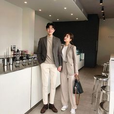 camera gear,camera settings,camera accessories,camera for beginners Matching Couple Outfits, Matching Couples, Cute Couples, Family Outfits, Outfits For Teens, Korean Couple Photoshoot, Luxury Couple, Korean Aesthetic, Ulzzang Couple