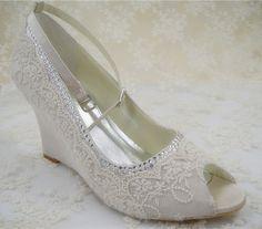 Lace Wedding Shoes Peep toe Bridal  Shoes Rhinestone by laceNbling