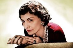 Coco Chanel (hier im Jahr 1936) Coco Chanel Mode, Mademoiselle Coco Chanel, Coco Chanel Fashion, Fashion Brands, My Style, Women, Art, Coco Chanel Pictures, Strong Women