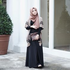 42 Ideas fashion hijab casual dresses muslim for 2019 Modest Dresses, Trendy Dresses, Modest Outfits, Boho Outfits, Modest Fashion, Fashion Outfits, Plaid Outfits, Wrap Dresses, Trendy Fashion