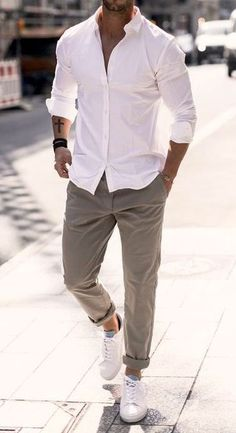 Indian Men Fashion, Mens Fashion Blog, Fashion Menswear, Suit Fashion, Denim Shirt With Jeans, Denim Shirts, Ripped Jeans, Summer Outfits Men, Stylish Mens Outfits