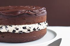 Chocolate-Covered OREO Cookie Cake recipe The recipe is delicious and SO easy! The oreo filling icing makes a lot of icing so next time I'm going to try icing the outside with it and chocolate on the inside! Food Cakes, Cupcake Cakes, Sock Cupcakes, Filled Cupcakes, Sweet Recipes, Cake Recipes, Dessert Recipes, Kraft Recipes, Kraft Foods