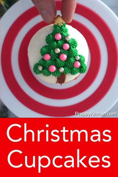 This Small-batch Vanilla Cupcakes recipe makes six fabulous moist vanilla cupcakes topped with a quick and easy American buttercream frosting. Christmas Cupcakes Decoration, Holiday Cupcakes, Christmas Desserts, Holiday Treats, Christmas Baking, Holiday Recipes, Christmas Recipes, Cupcake Videos, Cupcake Recipes