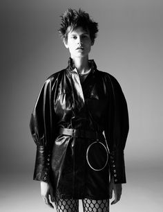 Character Study Publication: Interview Magazine September 2016 Model: Saskia de Brauw, Clara Deshayes Photographer: Willy Vanderperre Fashion Editor: Ludivine Poiblanc Hair: Anthony Turner Make Up:...