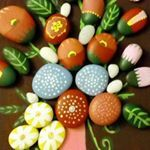 "100 Likes, 8 Comments - Taş Boyama🎨nbht (@nbhttrmpc) on Instagram: ""Ağaç üzeri taş işleme. #taşboyama #tasboyamasanatı #tatilköyü #stoneart #paintedrocks #rockpainting…"""