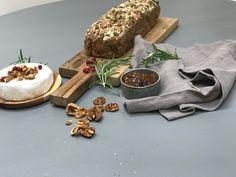 Glutenfritt grovbrød med mørk bakemiks fra Helios Dairy, Cheese, Baking, Food, Bakken, Eten, Bread, Backen, Meals