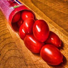 Red Alert. #redhot #süß #süss #bonbon #bonbons #light #role #fastfood #food #foodporn #red #sweets #snack #snacks #nomnom #nomnomnom #nomnoms #foodie #foodgasm #foodstagram #sweet