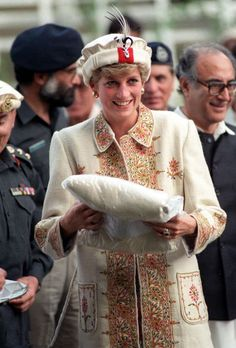 Princess Diana in Pakistan: Throwback shots of Prince William's mother visiting the country in the