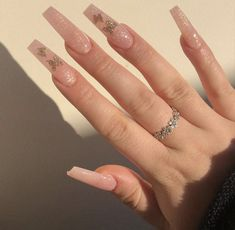 The 9 Biggest Nail Trends of Bling Acrylic Nails, Acrylic Nail Tips, Aycrlic Nails, Summer Acrylic Nails, Summer Nails, Acrylic Nail Designs, Glitter Nails, Long Square Acrylic Nails, Coffin Nails Long
