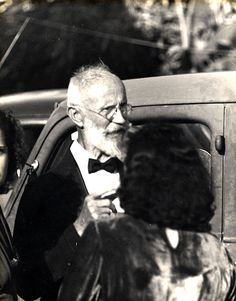 Carl Tanzler who slept with the corpse of a young woman he admired for 7 years...