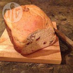 Pain miel, noisettes et raisins secs à la machine à pain